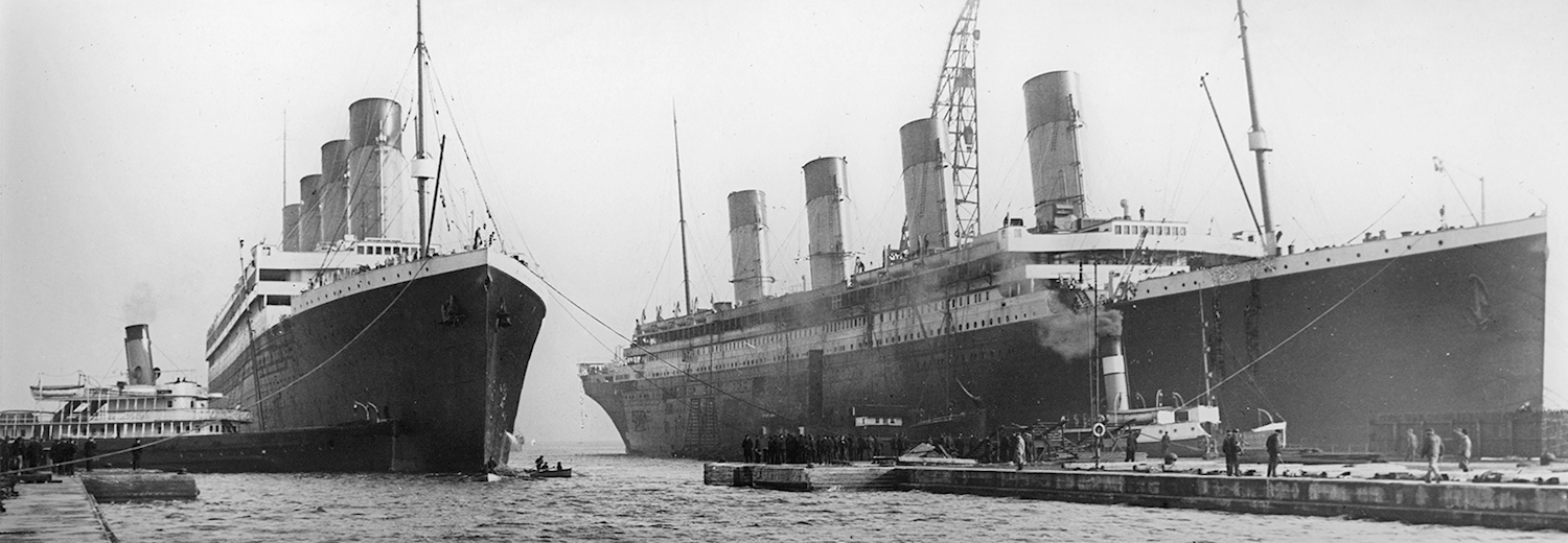 olympic_and_titanic_in_the_docks-_belfast_1912