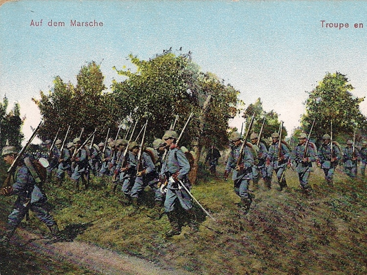 german_infantry_advancing_1914