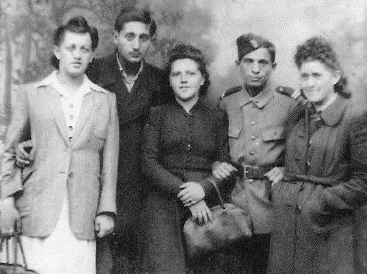 william_and_rosie_schiff_with_relatives