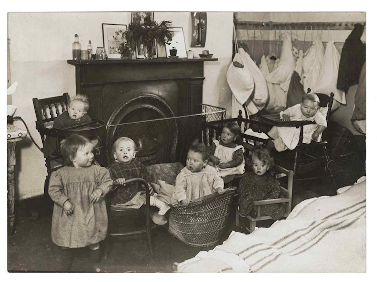 children_in_the_nursery