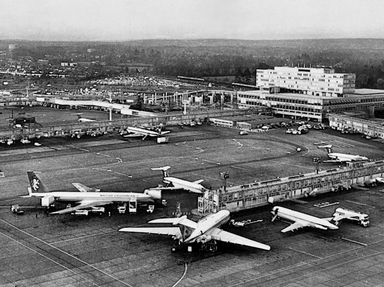 gatwick_airport_early_photograph