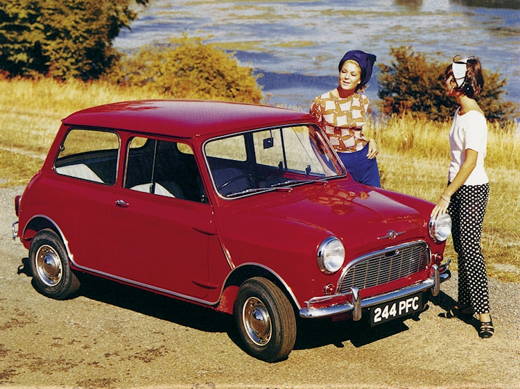 morris_mini_minor_vintage_photo