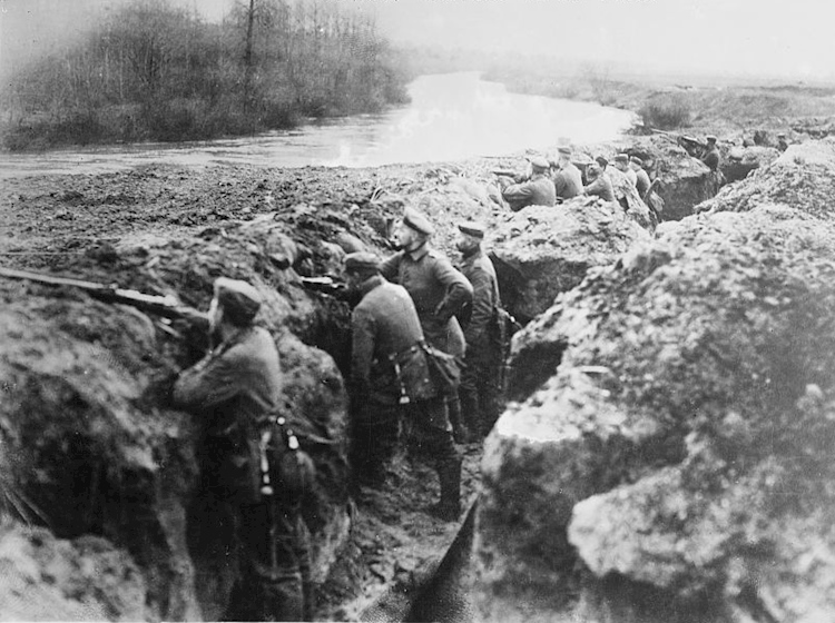 german_trenches_on_the_aisne