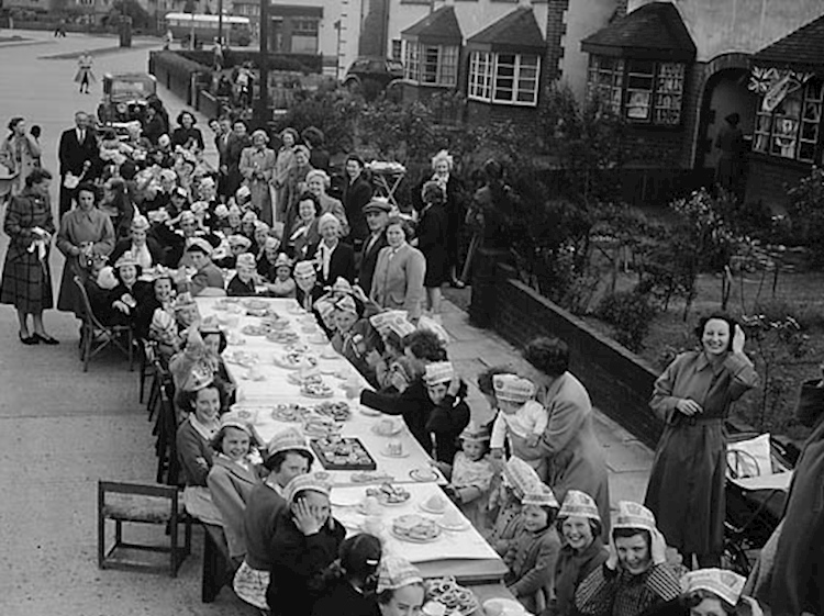 coronation_street_party_shrewsbury_1953