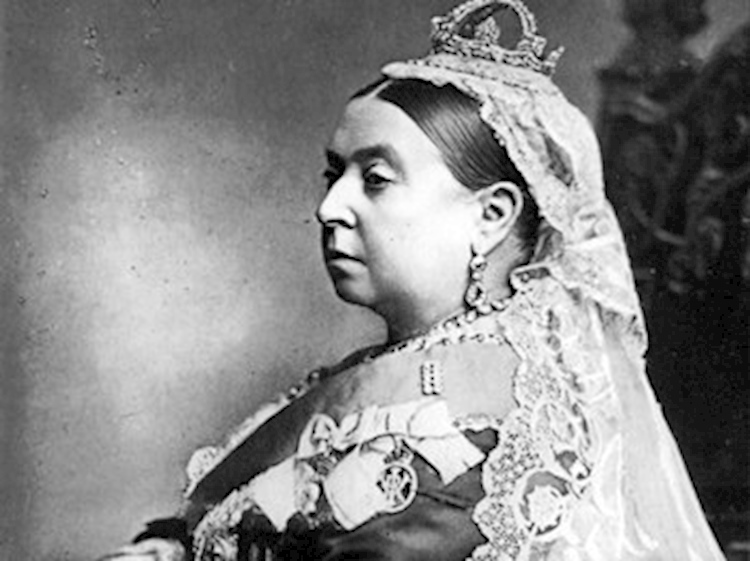 queen_victoria_dressed_for_duke_and_duchess_of_albany_wedding_1887