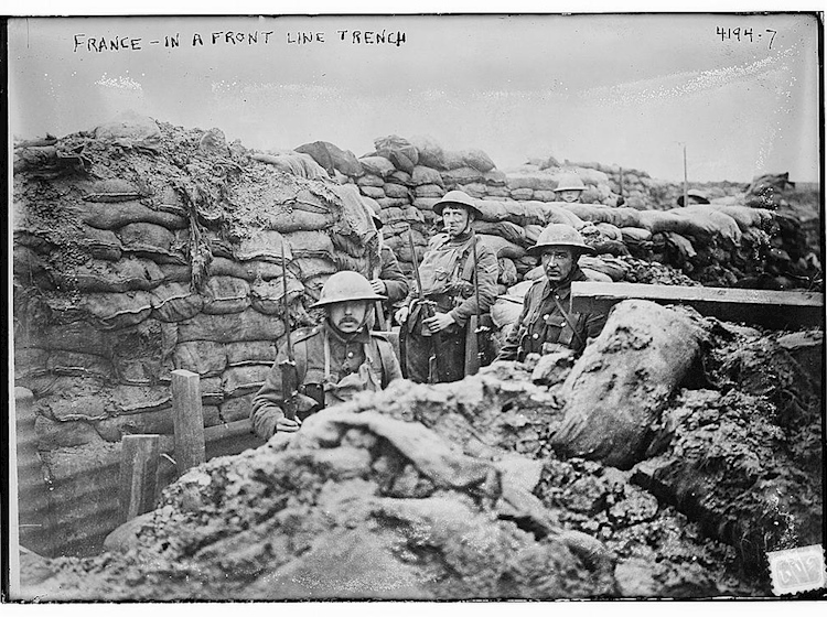 servicemen_in_a_front_line_trench_france