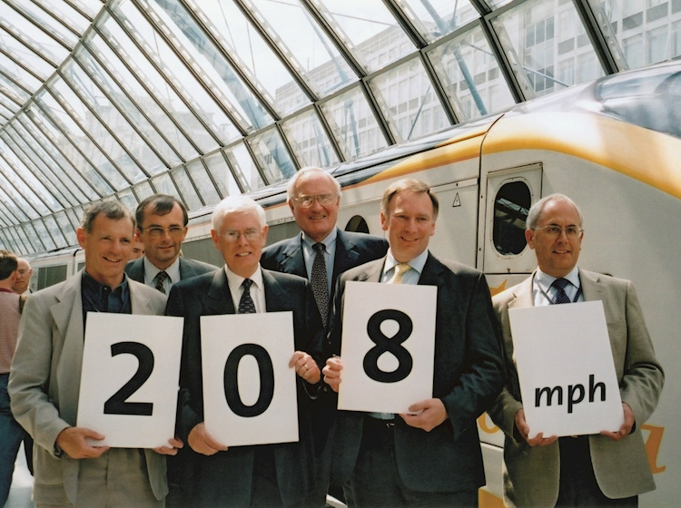 eurostar_breaking_the_british_speed_record_on_30_july_2003