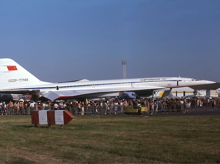aeroflot_tupolev_tu-144_paris_air_show_1975_gilliand