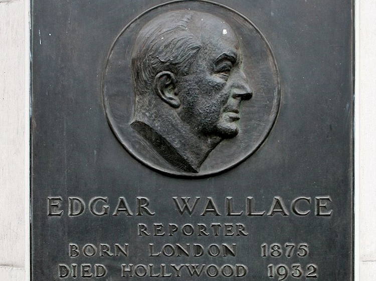 a_plaque_in_fleet_street_london_commemorating_edgar_wallace