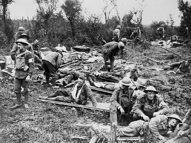 an_advanced_dressing_station_in_the_field_during_world_war_i