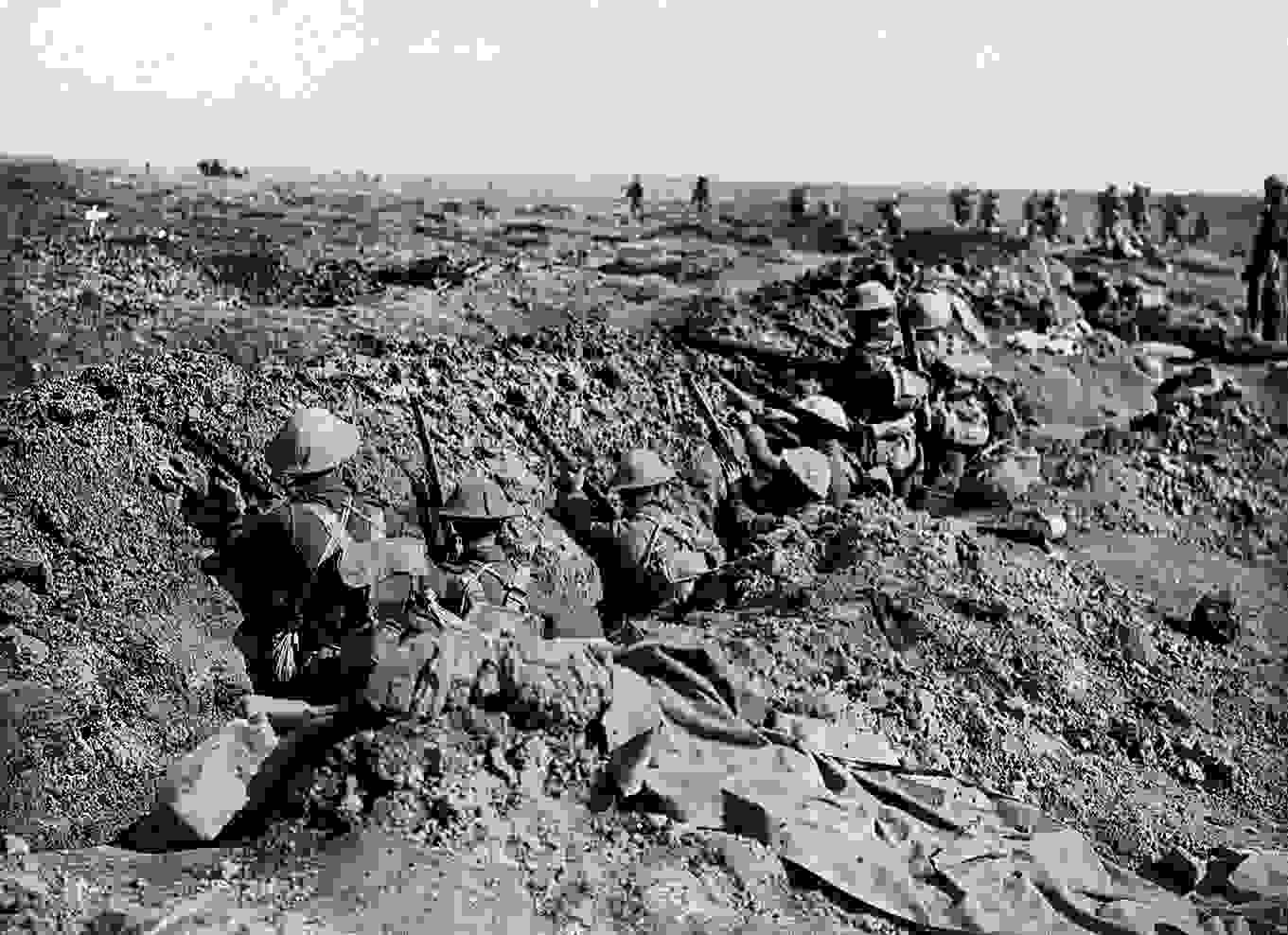 british_infantry_wait_in_a_shallow_ditch_during_september_1916_offensive_battle_story_somme