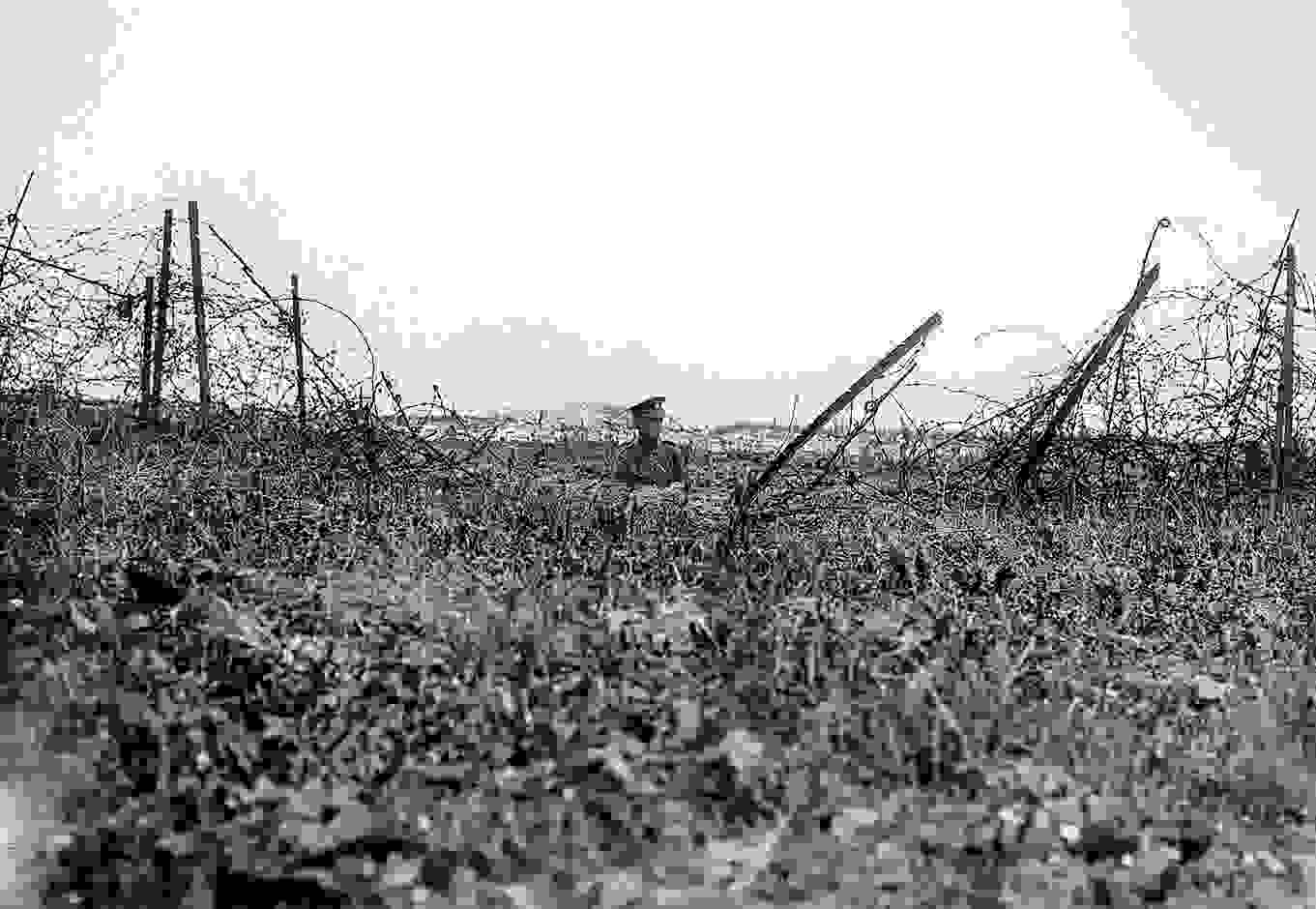 the_preliminary_bombardment_aimed_to_cut_german_barbed_wire_battle_story_somme_1916