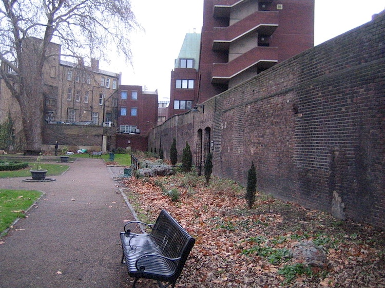 remaining_wall_of_marshalsea_prison_london