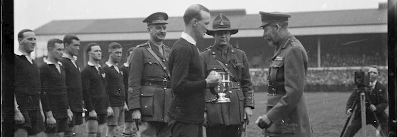king_george_v_presents_the_kings_cup_to_captain_of_new_zealand_services_team_at_twickenham