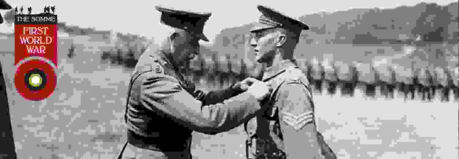wwi_soldier_receiving_the_victoria_cross