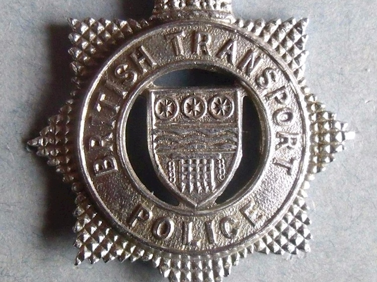 british_transport_police_cap-badge_1963_to_1990s