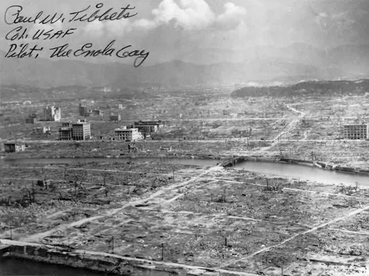 aftermath_of_the_nuclear_attack_on_hiroshima_1945