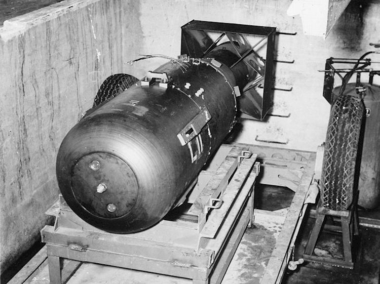 uranium_atom_bomb_codenamed_little_boy_dropped_on_hiroshima