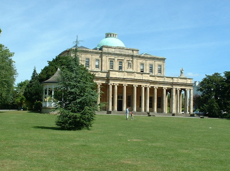 pittville_pump_rooms_today