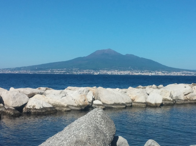 vesuvius_from_the_bay_of_naples