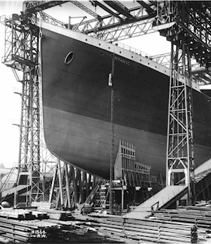 rms_titanic_ready_for_launch-_1911