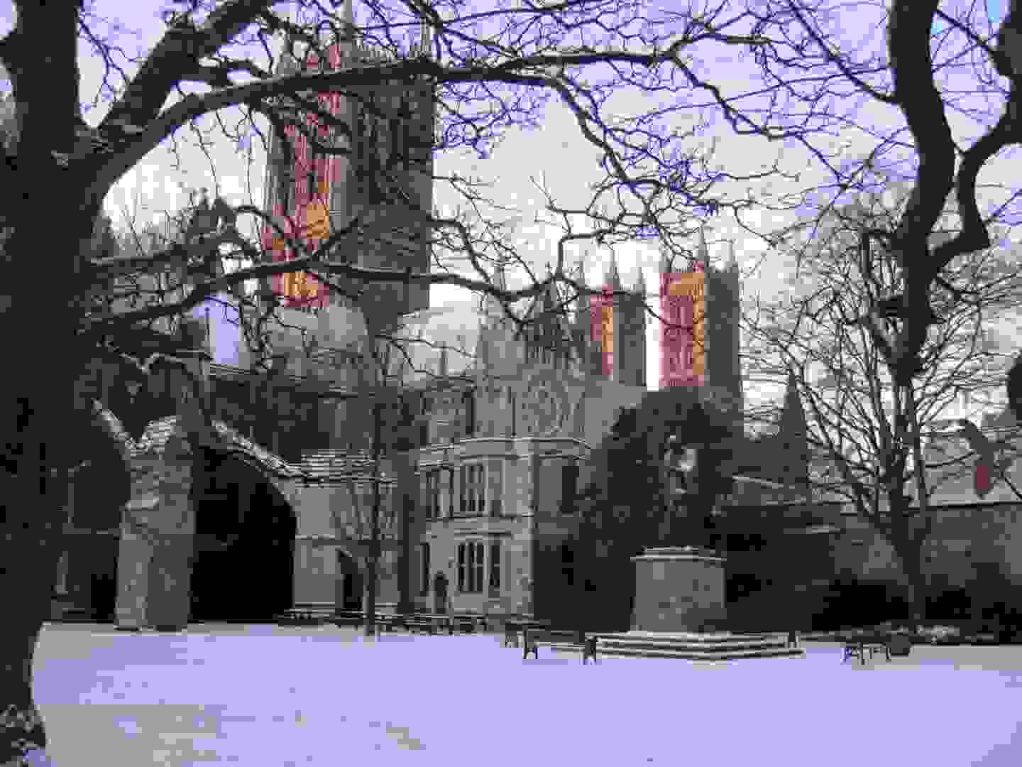 lincoln_cathedral_in_snow