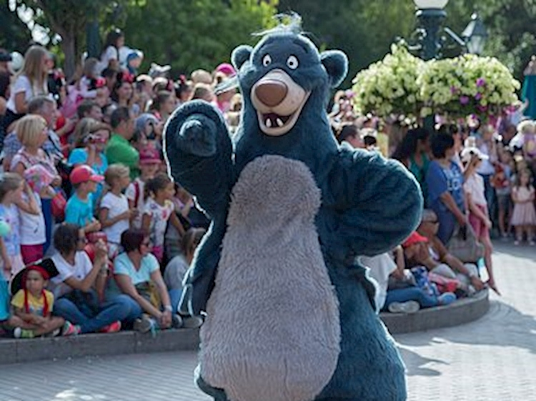disneys_baloo_on_parade_at_disneyland