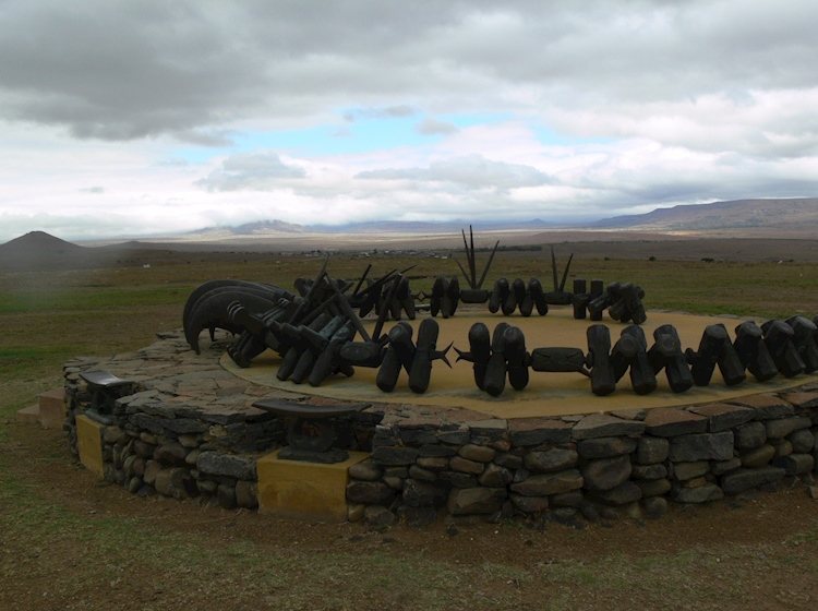 memorial_to_the_zulu_dead_at_isandlwana_takes_the_form_of_an_isiqu_necklace