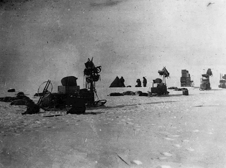 amundsens_expedition_at_the_south_pole_-_loc_3b17881ujpg