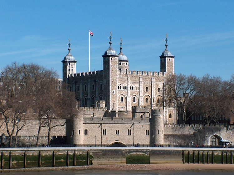 tower_of_london-_april_2006jpg