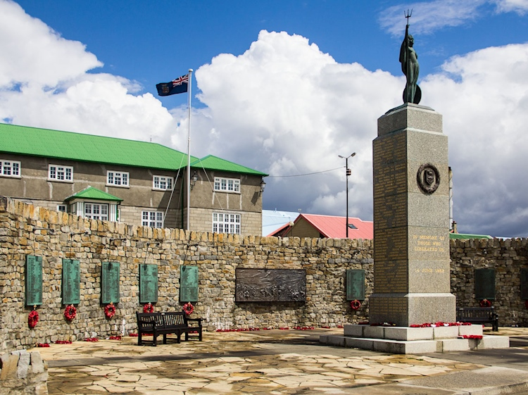falklands_war_memorial_stanley_falkland_islands