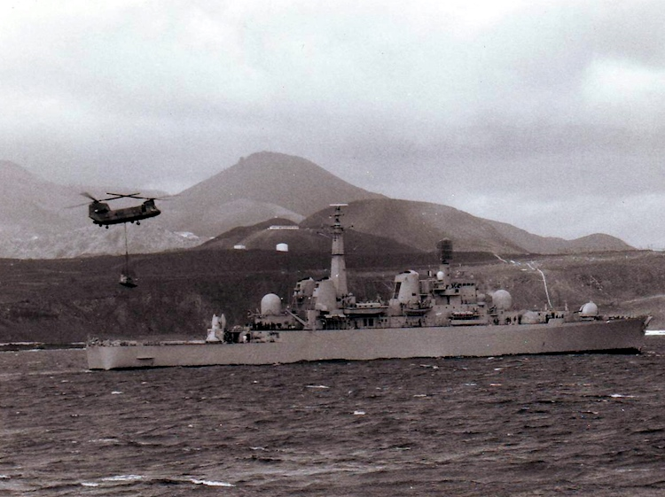 hms_bristol_storing_at_ascension_island_1982