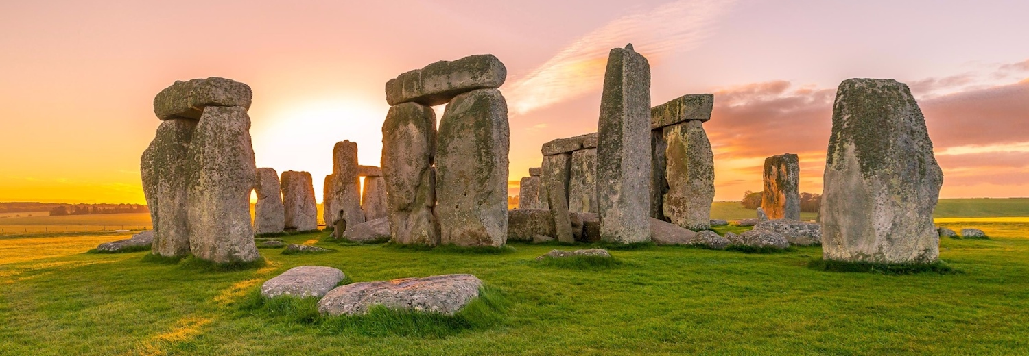 stonehenge_under_the_sunset_skies