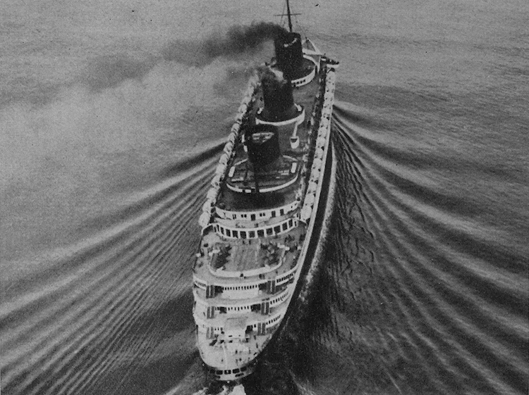 ss_normandie_at_sea_overhead_view