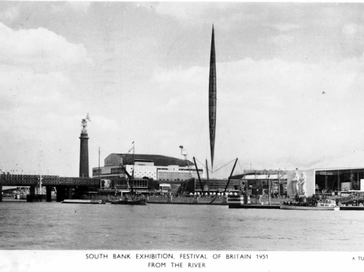 festival_of_britain_1951_from_the_river_thames