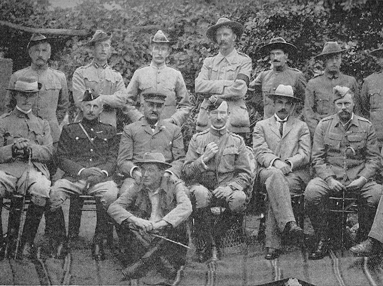 lieutenant_robert_baden-powell_and_staff_at_mafeking