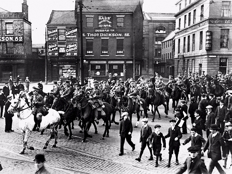 in_the_uk-_the_northumberland_hussars_leave_newcastle_in_september_1914