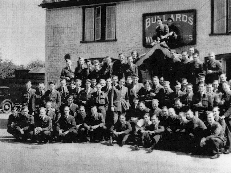 107_squadron_personnel_outside_the_fox_and_pheasant_pub_great_massingham_1941