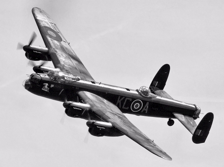 britains_only_surviving_flying_lancaster