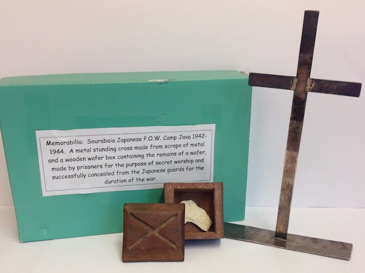 metal_cross_wooden_box