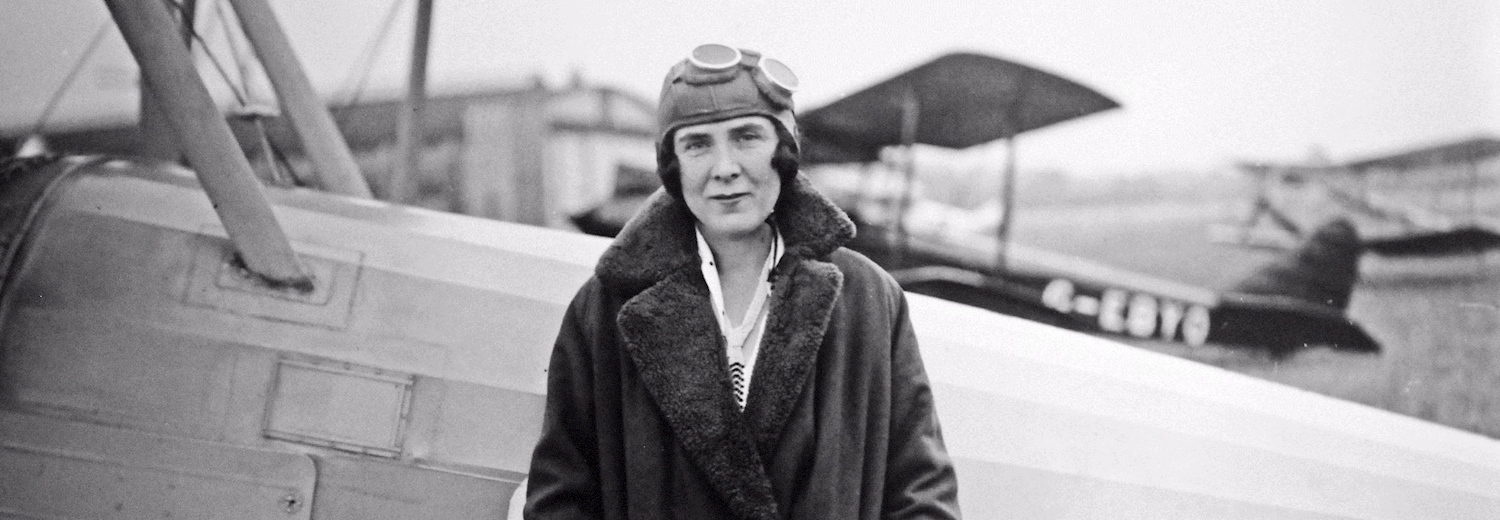 mildred_with_bluebird_g-aair_at_heston_1930