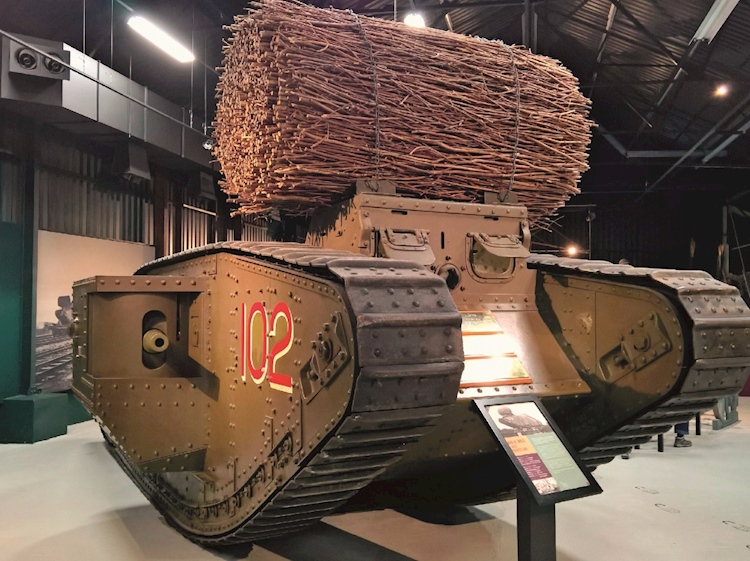 mark_iv_tank_with_fascine_of_wood_to_help_the_tank_cross_trenches