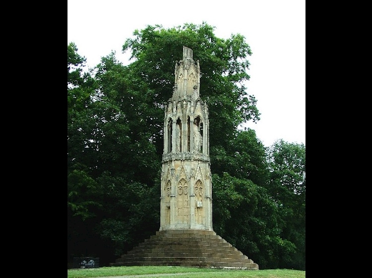 hardingstone_eleanor_cross