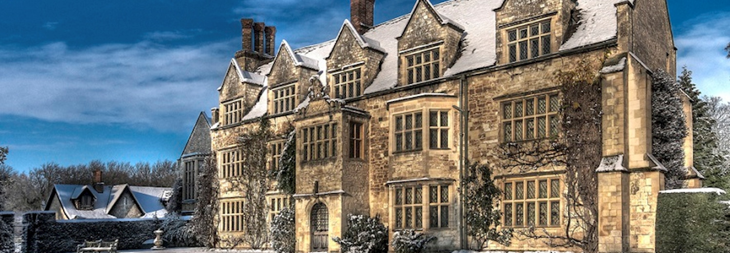 abbey_in_snow