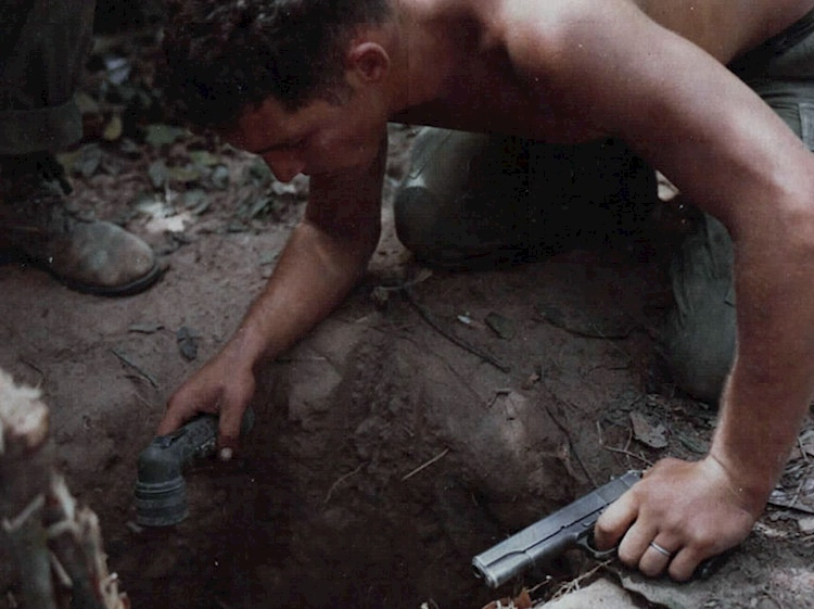 sgt_ronald_h_payne_tunnel_rat_vietnam_war_1967