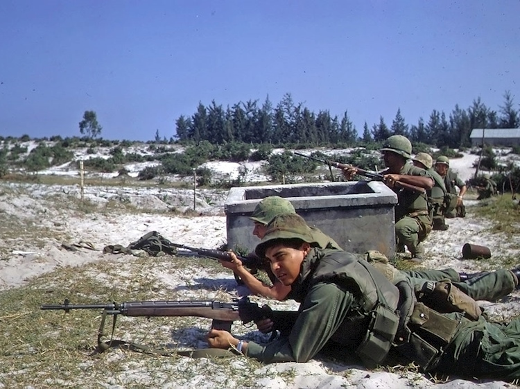 us_marines_hamo_village_tet_offensive