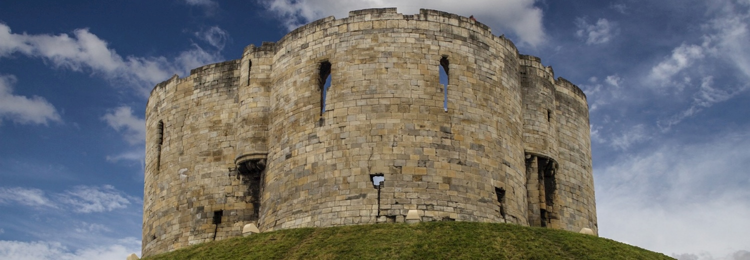 cliffords_tower_york