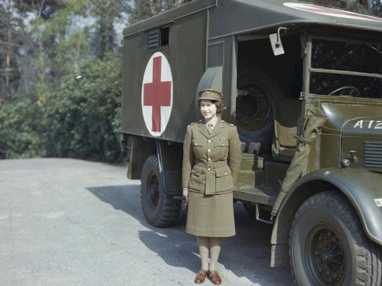 hrh_princess_elizabeth_in_the_auxiliary_territorial_service_april_1945_tr2832
