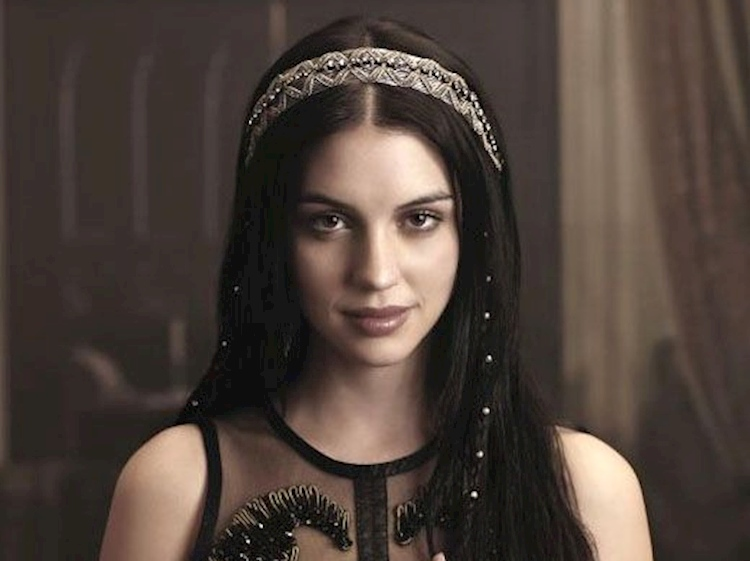 adelaide_kane_as_mary_queen_of_scots