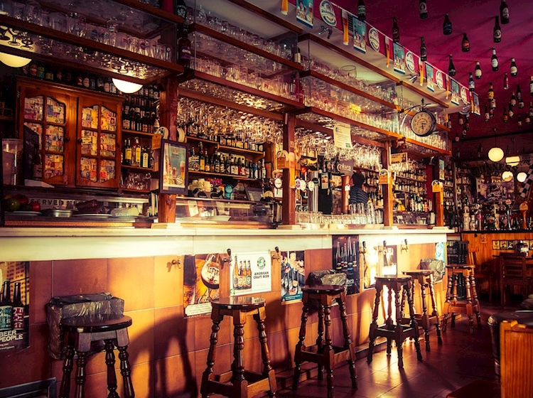 The History Press | Tracing history through the names of pubs